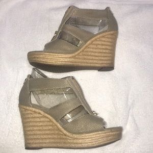 Michael Kors platforms shoes size 8M